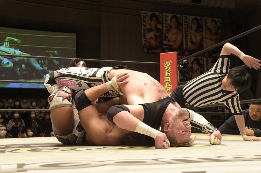 "DDT: ""Into the Fight 2020"" Chris Brookes y Masato Tanaka, monarcas 5"