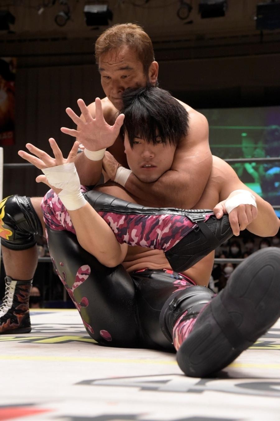 "DDT: ""Into the Fight 2020"" Chris Brookes y Masato Tanaka, monarcas 7"