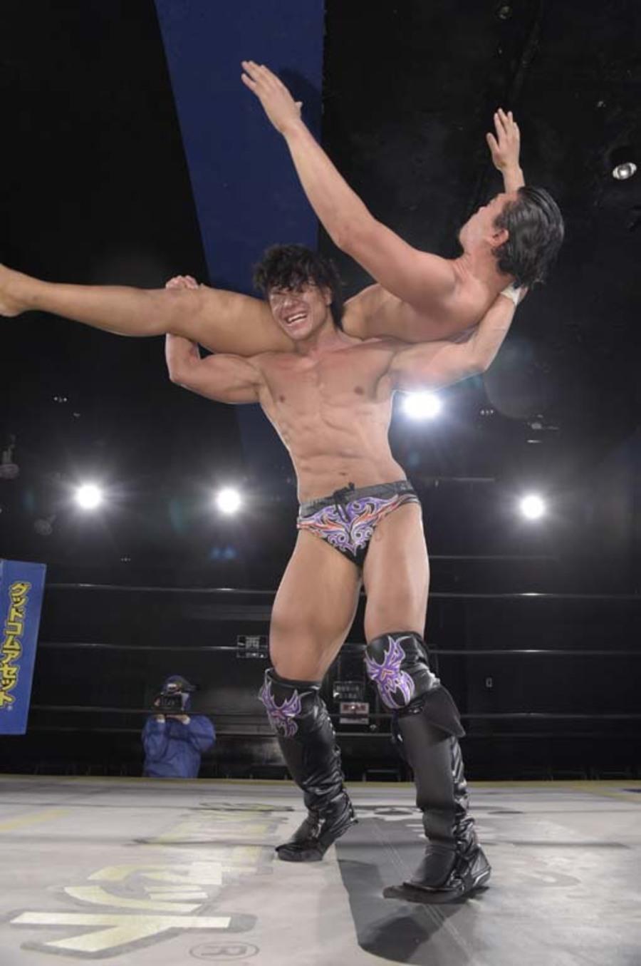 """DDT: """"DDT TV Show! #3"""" Tetsuya Endo es retador al título principal 7"""