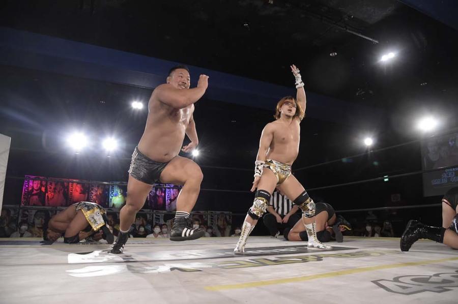 """DDT: """"DDT TV Show! # 7"""" New monarchs of thirds 3"""